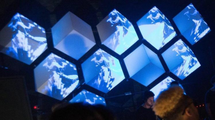 Projection Mapping - mapping, Fluid, and GarageCube LED - intermediate course - Film Oxford